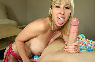 hot and sexy milf handjobs
